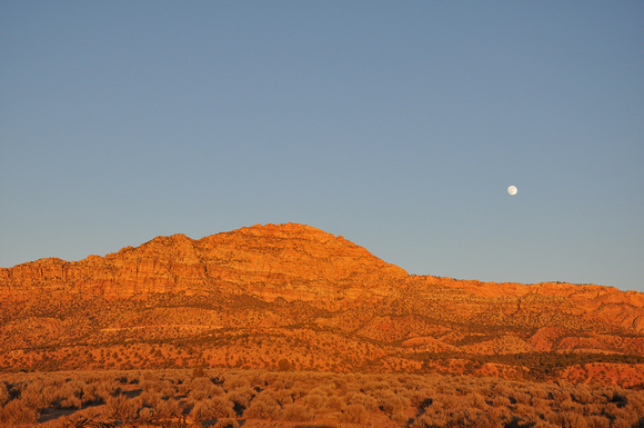 Red Mountain Moon Sunset 01